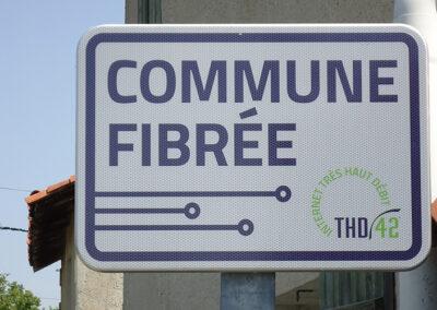 label-commune-fibree®-chalain-le-comtal
